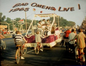 Photo - 3 Parade 1965